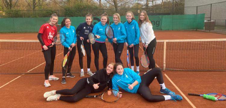 """Sport verbindt """"tennis avontuur van DS5"""""""
